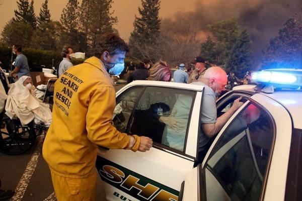 Cháy rừng dữ dội ở Mỹ, 25 người thiệt mạng-7