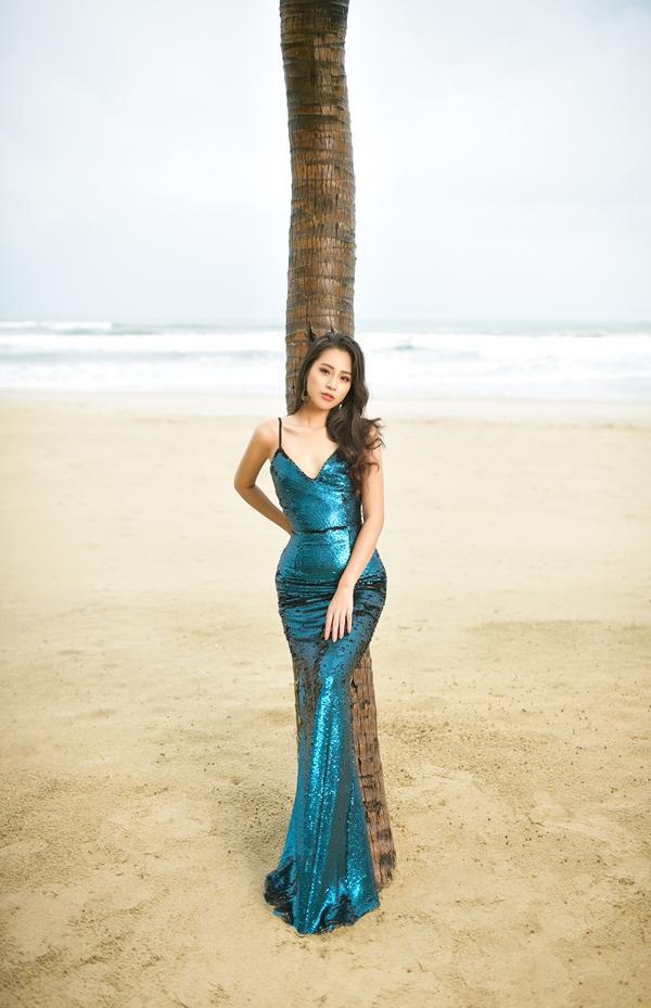 Cô gái sinh năm 2000 có body nóng bỏng và mặc bikini đẹp hơn cả Hoa hậu Trần Tiểu Vy-4