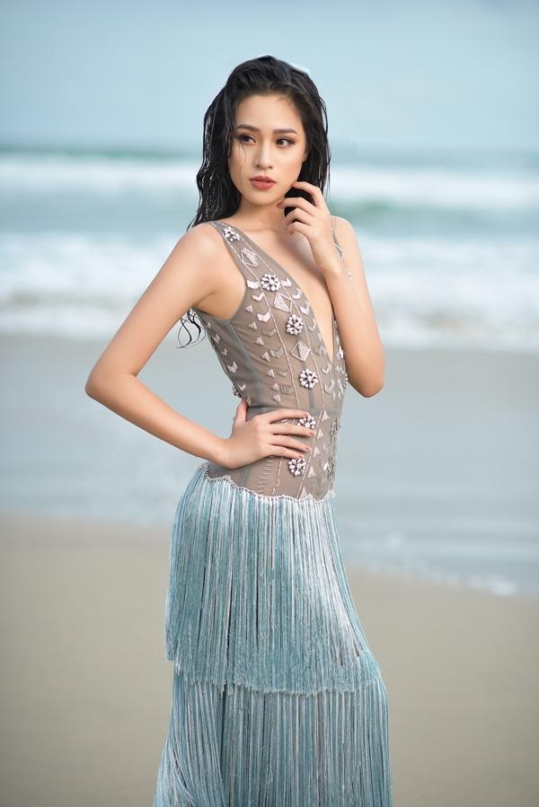 Cô gái sinh năm 2000 có body nóng bỏng và mặc bikini đẹp hơn cả Hoa hậu Trần Tiểu Vy-9