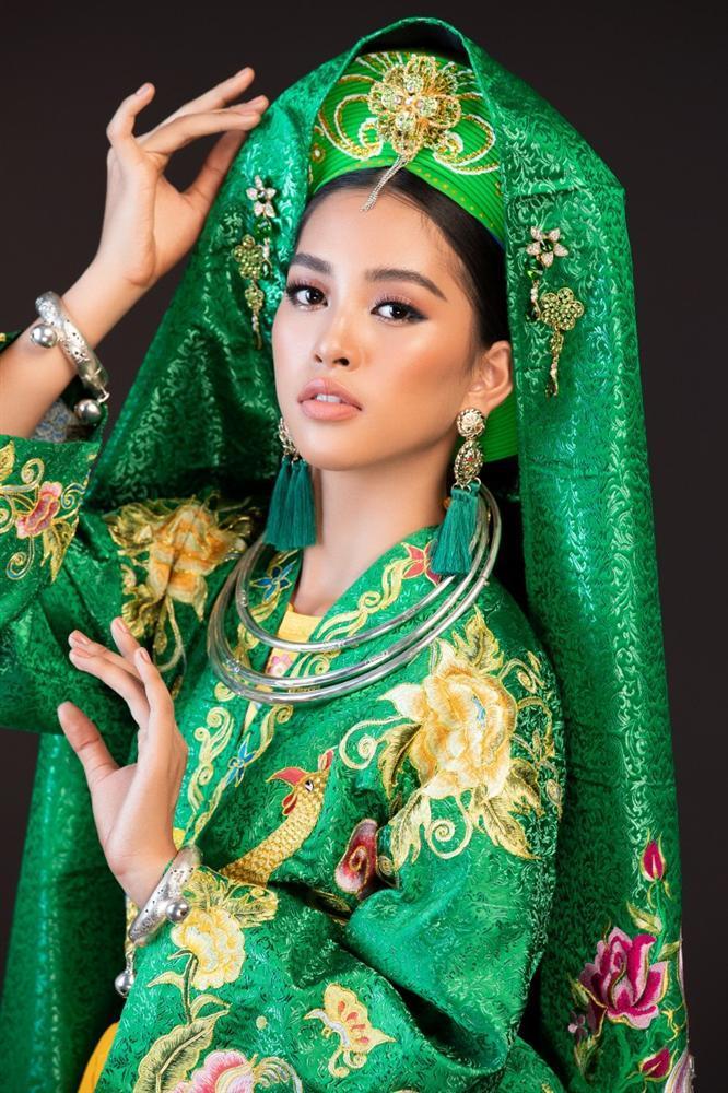 Hoa hậu Tiểu Vy lên đồng với bài múa Cô đôi thượng ngàn trong phần thi Dance of the World-4