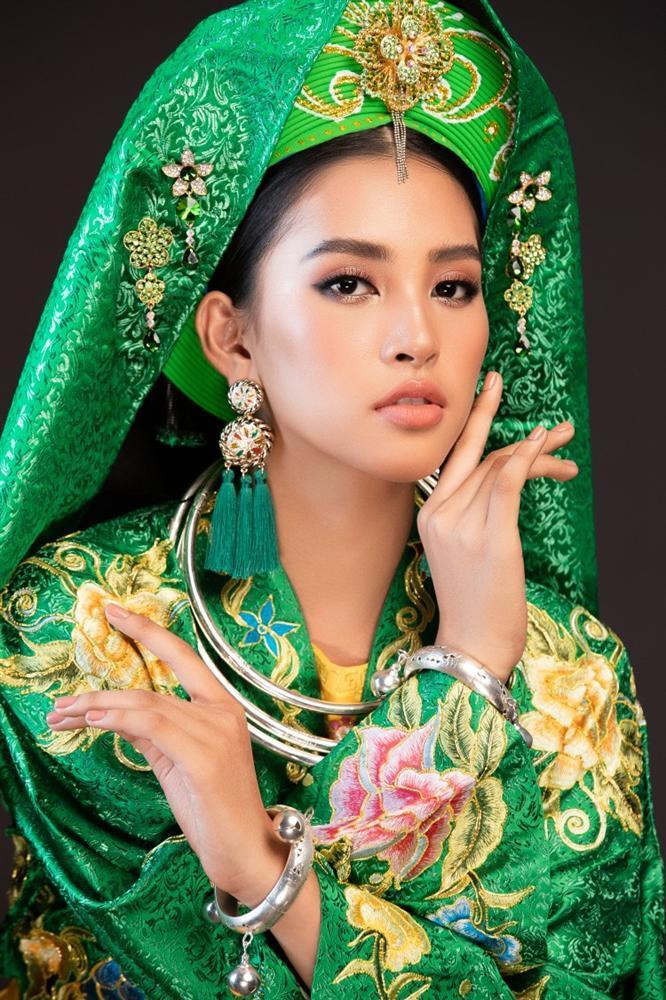 Hoa hậu Tiểu Vy lên đồng với bài múa Cô đôi thượng ngàn trong phần thi Dance of the World-5