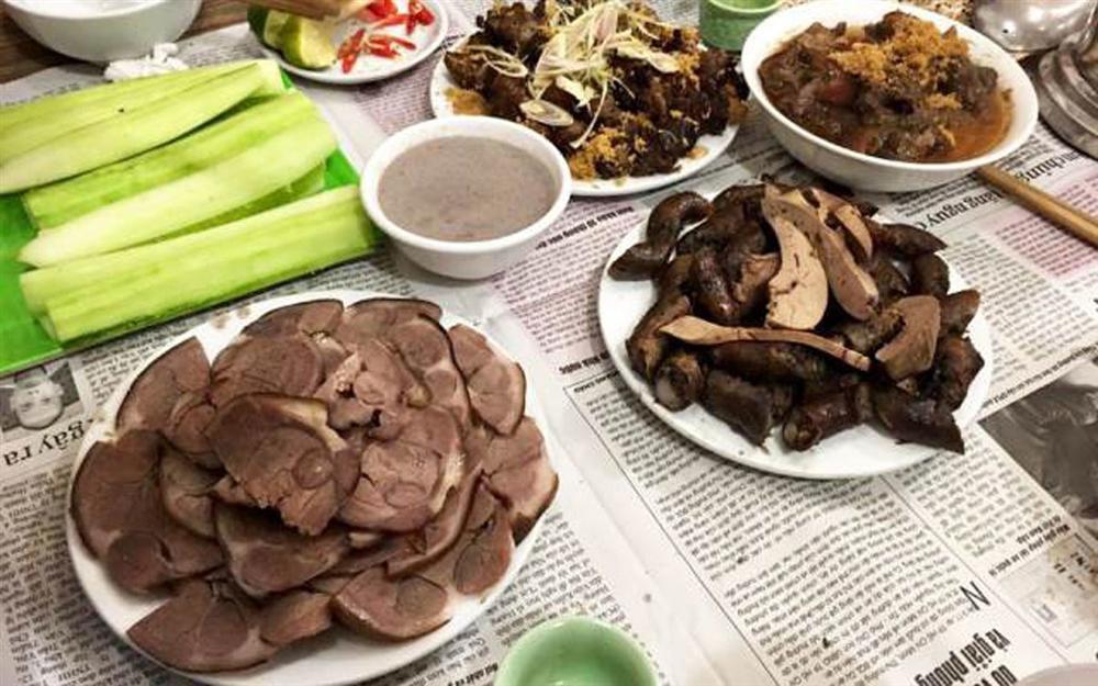 Món ăn đặc sản Việt kinh dị khiến khách Tây... khóc thét-7