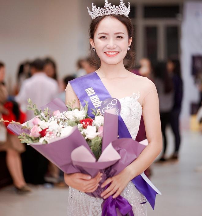 Fan nữ được bạn gái Phan Thành tư vấn con gái ngoan, ngon, ngơ sẽ được cưng như búp bê là Hoa khôi chứ chẳng đùa!-3