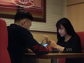 Thủ môn Đặng Văn Lâm tranh thủ hẹn hò với bạn gái trước trận gặp Malaysia