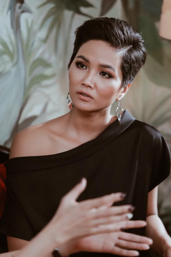 Sát ngày thi Miss Universe 2018, HHen Niê gây hoang mang với thông báo sẽ cắt tóc ngắn hơn-3