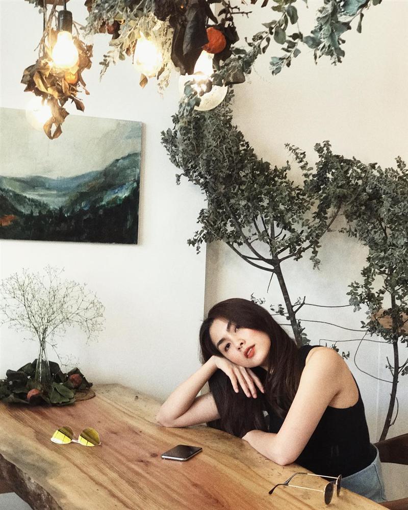 Tăng Thanh Hà đơn lẻ ngồi thư giãn sau kỳ nghỉ hâm nóng tình yêu-1
