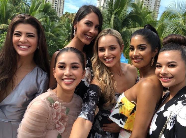 Liên tiếp diện đầm hồng phong thủy, Tiểu Vy được khen khôn ngoan khi chinh chiến Miss World 2018-3