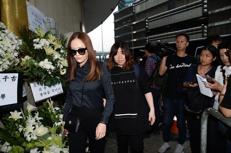 Tỷ phú Jack Ma, Trần Kiều Ân cùng nhiều nghệ sĩ vội vã đến Hong Kong dự tang lễ Kim Dung-4