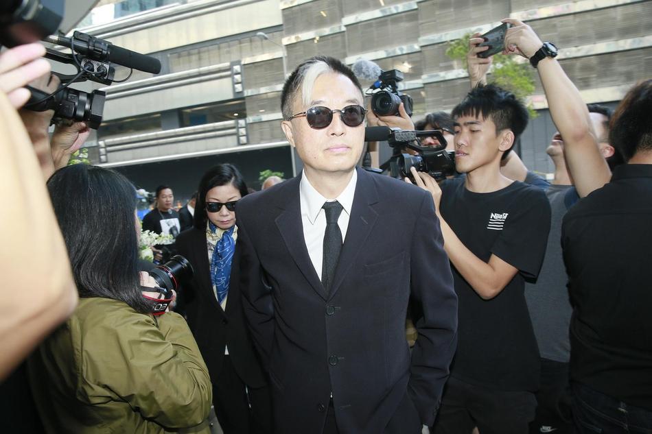 Tỷ phú Jack Ma, Trần Kiều Ân cùng nhiều nghệ sĩ vội vã đến Hong Kong dự tang lễ Kim Dung-10