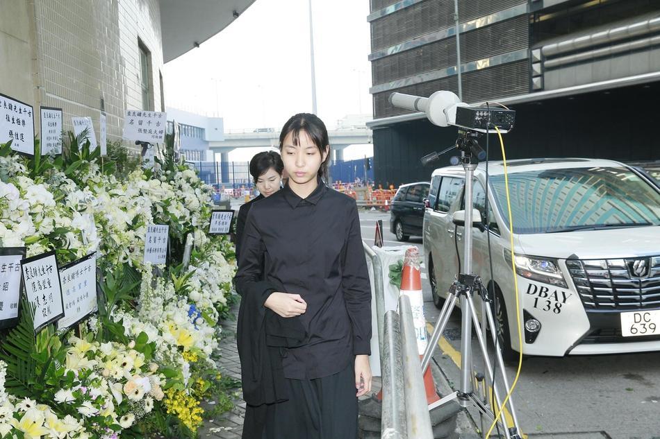 Tỷ phú Jack Ma, Trần Kiều Ân cùng nhiều nghệ sĩ vội vã đến Hong Kong dự tang lễ Kim Dung-11
