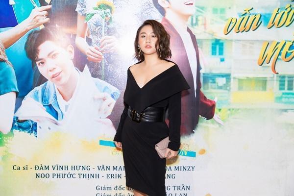 Hòa Minzy đi chữa bệnh tại Singapore nhưng vẫn không quên quảng bá bom tấn cuối năm-5