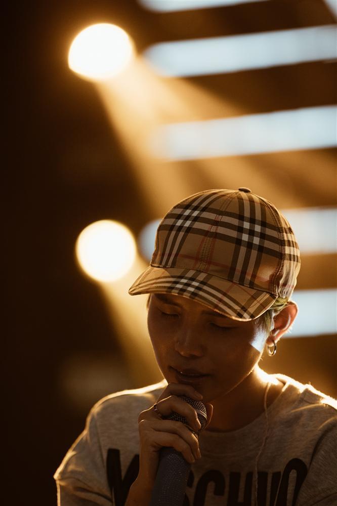 Quá bất ngờ, Vũ Cát Tường là ca sĩ Việt Nam đầu tiên có tour quảng bá album tại nước ngoài-2