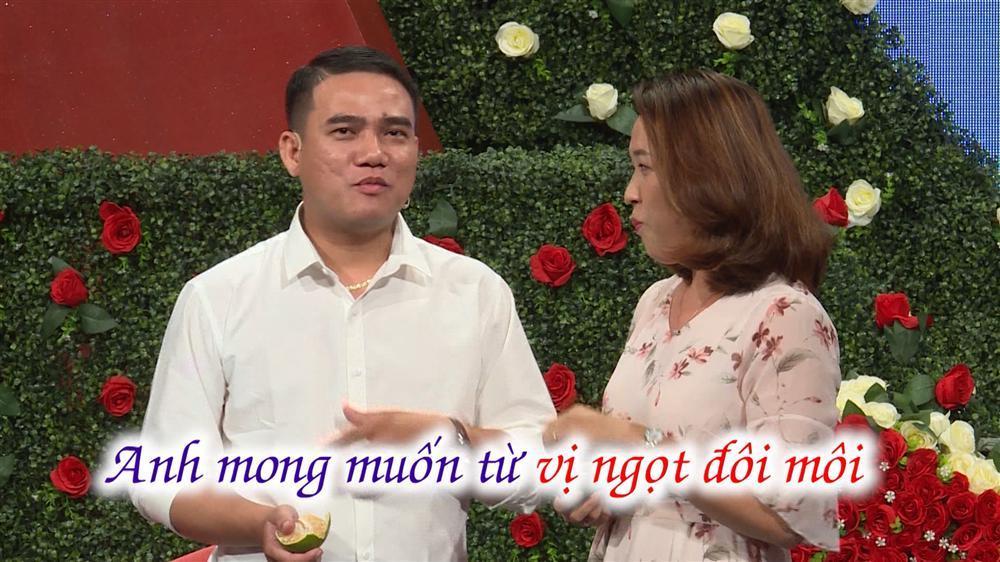 Sốc với cặp đôi hẹn hò tình cảm như chốn không người trên sóng truyền hình-5