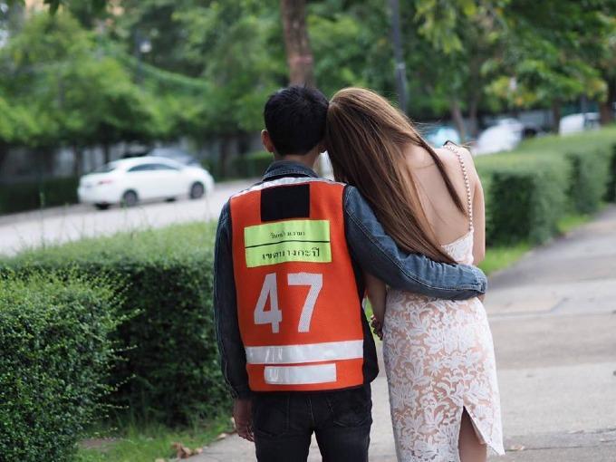 Người mẫu chuyển giới nổi tiếng Thái Lan và chuyện tình xúc động với bạn trai lái xe ôm-2
