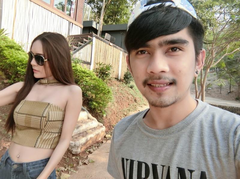 Người mẫu chuyển giới nổi tiếng Thái Lan và chuyện tình xúc động với bạn trai lái xe ôm-3