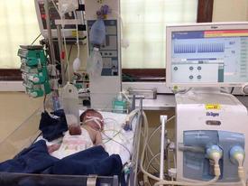 Vợ trở dạ tại nhà, chồng ra tay đỡ đẻ phát hiện cảnh tượng kinh hoàng khi bé chào đời
