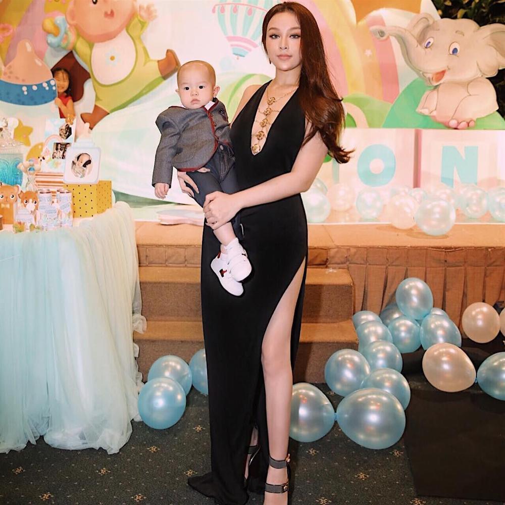 Nối gót Tâm Tít, Huyền Baby trở thành nữ hoàng đồ đen đẹp mà đẳng cấp nhất nhì Vbiz-9