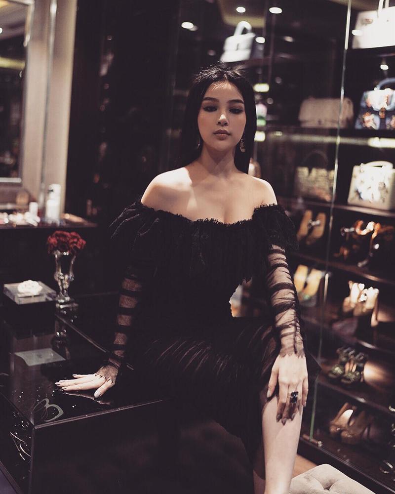 Nối gót Tâm Tít, Huyền Baby trở thành nữ hoàng đồ đen đẹp mà đẳng cấp nhất nhì Vbiz-10