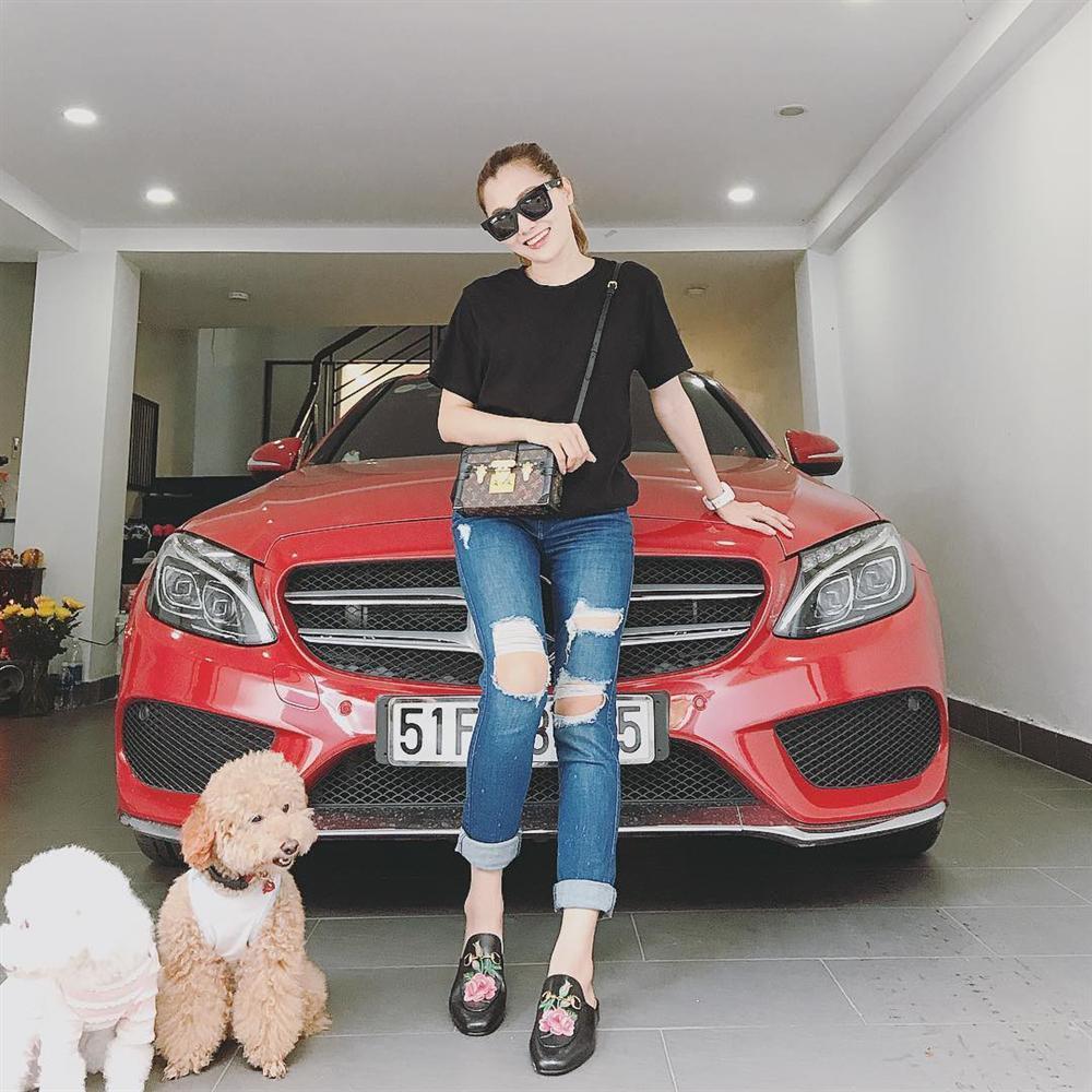 Em gái xinh đẹp của ca sĩ Quang Vinh lần đầu chia sẻ mối tình 9 năm bên ông xã là cơ trưởng điển trai-10