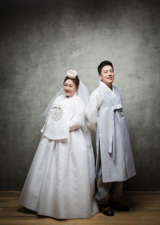 Nữ diễn viên hài tiết lộ ảnh cưới đáng yêu sau khi cấp tốc giảm 30kg để mặc váy cưới-2