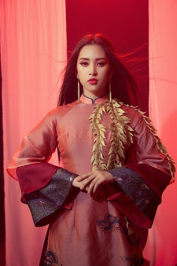 Thi tài năng tại Miss World 2018, Tiểu Vy bất ngờ khoe giọng hát với Lạc trôi của Sơn Tùng M-TP-1