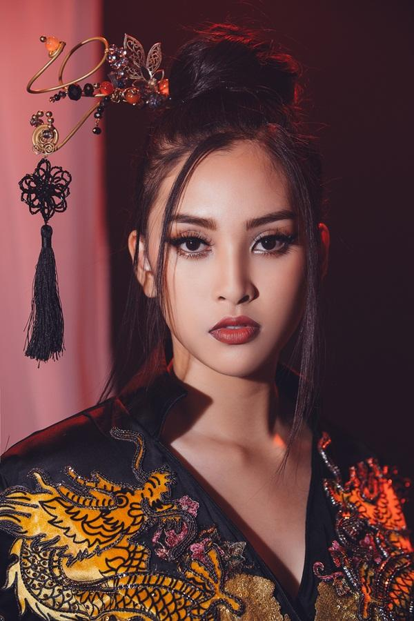 Thi tài năng tại Miss World 2018, Tiểu Vy bất ngờ khoe giọng hát với Lạc trôi của Sơn Tùng M-TP-2