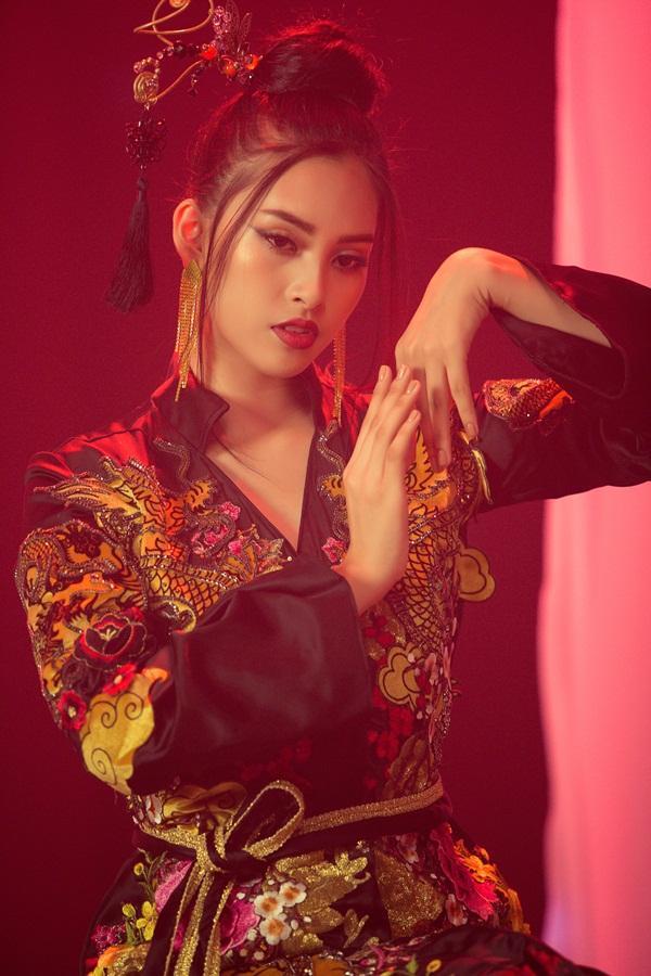 Thi tài năng tại Miss World 2018, Tiểu Vy bất ngờ khoe giọng hát với Lạc trôi của Sơn Tùng M-TP-6