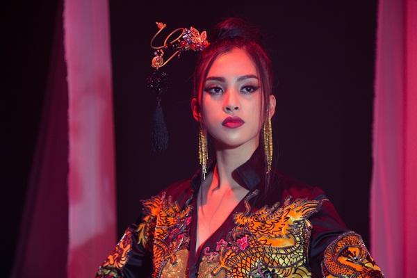 Thi tài năng tại Miss World 2018, Tiểu Vy bất ngờ khoe giọng hát với Lạc trôi của Sơn Tùng M-TP-9