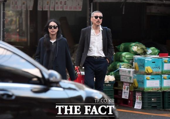 Sao nữ Hàn sống chung với đạo diễn U60 dù bị mẹ từ mặt-1