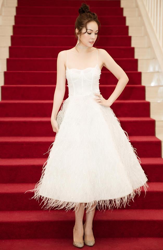 Tay trắng sau ly hôn chồng đại gia, Dương Cẩm Lynh đúng chuẩn phụ nữ đẹp nhất khi không thuộc về ai-1