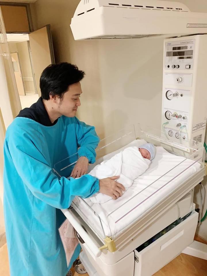 Chồng làm cơ trưởng thì đã sao? Em gái Quang Vinh còn khiến hội bỉm sữa xuýt xoa khi đẻ ở bệnh viện sang như khách sạn 5 sao-11