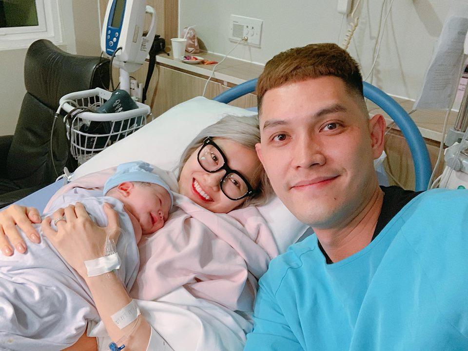 Chồng làm cơ trưởng thì đã sao? Em gái Quang Vinh còn khiến hội bỉm sữa xuýt xoa khi đẻ ở bệnh viện sang như khách sạn 5 sao-8