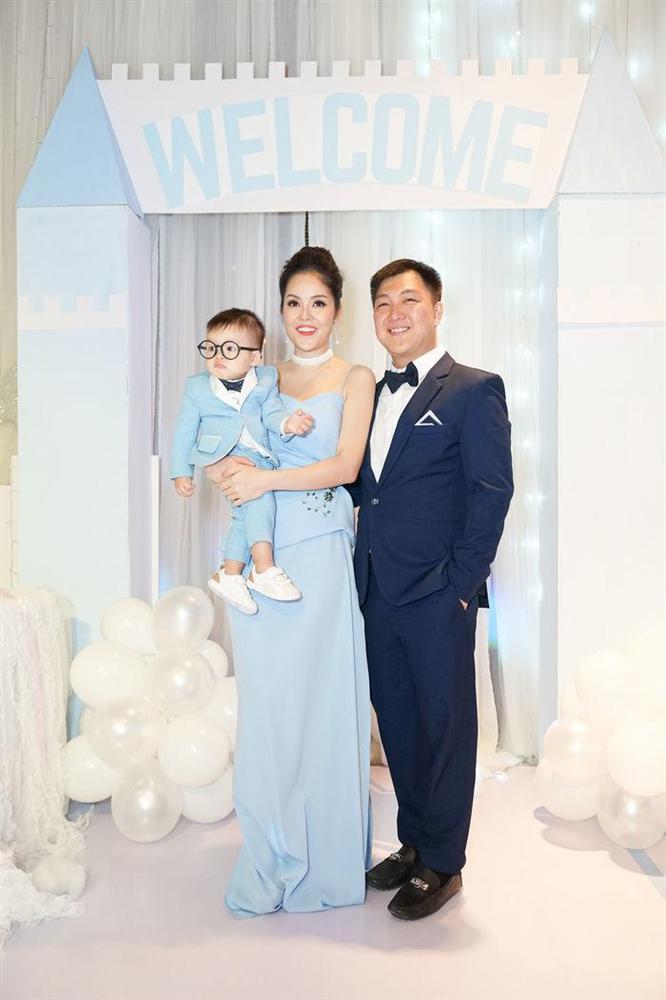 Tay trắng sau ly hôn chồng đại gia, Dương Cẩm Lynh đúng chuẩn phụ nữ đẹp nhất khi không thuộc về ai-11