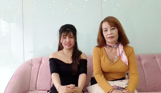 Livestream thay đến 4 bộ váy mát mẻ thể hiện độ chịu chơi, cô dâu 61 tuổi bị chỉ trích quá lố-1