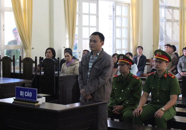 Lâm Đồng: Bóp cổ vợ đến chết rồi đổ rượu độc vào miệng tạo hiện trường giả-1