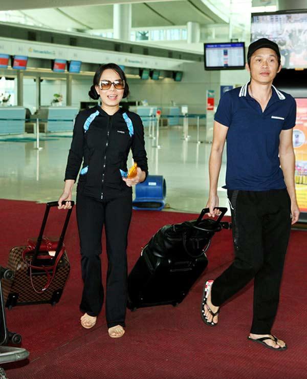 Giàu hiếm ai bằng nhưng Hoài Linh vẫn chỉ mặc áo thun bình dân-5