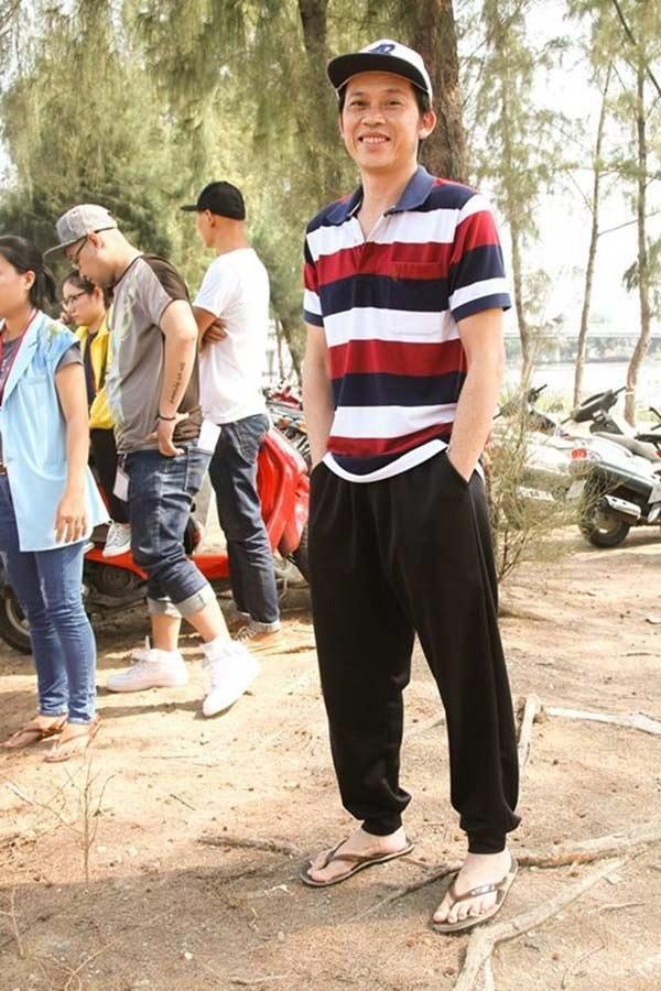 Giàu hiếm ai bằng nhưng Hoài Linh vẫn chỉ mặc áo thun bình dân-8