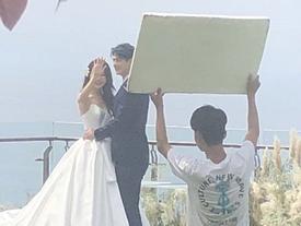 Mỹ nam Đài Loan bí mật chụp ảnh cưới ở đảo Bali?