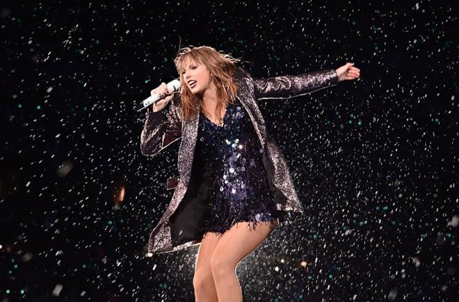 Taylor Swift nhiều lần trốn vào vali để lẩn tránh paparazzi-2