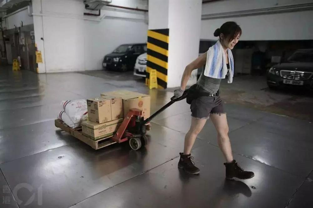 Hotgirl bốc vác Hong Kong: Đã làm nghề 10 năm, từ chối vào showbiz-3