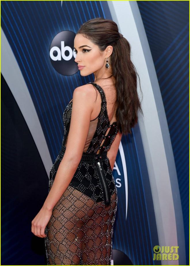 Cựu Hoa hậu Hoàn vũ Olivia Culpo diện váy xuyên thấu trên thảm đỏ-3