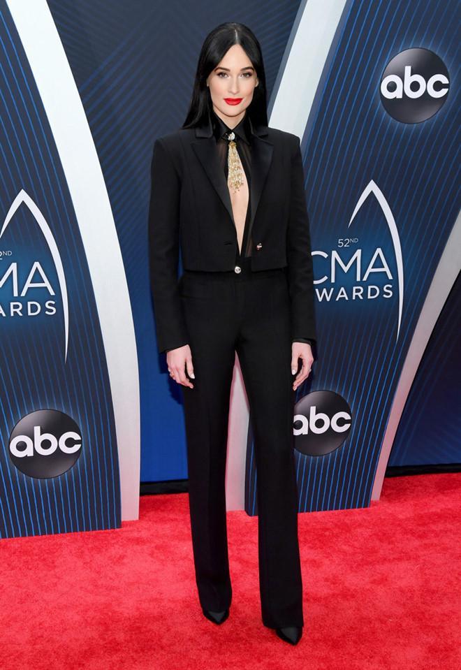Cựu Hoa hậu Hoàn vũ Olivia Culpo diện váy xuyên thấu trên thảm đỏ-5