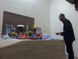 Chồng mất cả vợ lẫn con trong vụ xe container lật ở Ba Vì: Gia đình không ai biết tin cho đến khi đọc báo