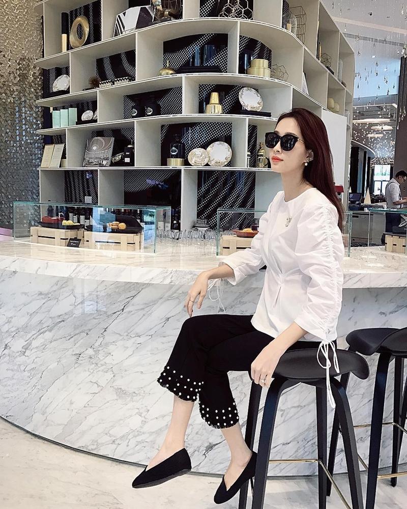 Chán mốt shipper, Sơn Tùng chuyến hướng style học sinh - Angela Phương Trinh hóa quý cô Retro sành điệu-5