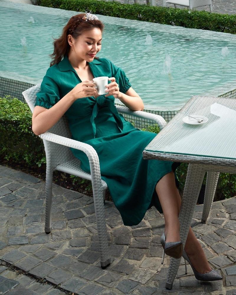 Chán mốt shipper, Sơn Tùng chuyến hướng style học sinh - Angela Phương Trinh hóa quý cô Retro sành điệu-8