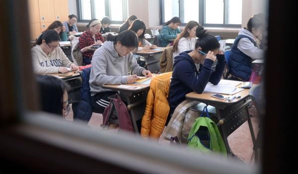 Áp lực thi đại học và những cái chết trẻ ở Hàn Quốc-2