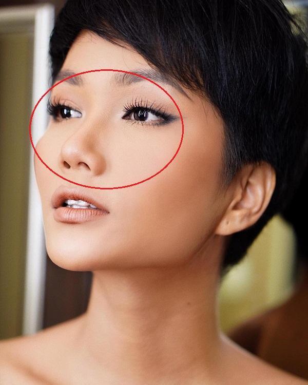 Mỹ nhân nào chịu thật thà như HHen Niê: Tự thừa nhận mình mũi không cao, da không trắng, gò má to-3
