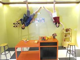Giới trẻ rộn ràng 'check-in' ngôi nhà úp ngược độc đáo ở Vũng Tàu