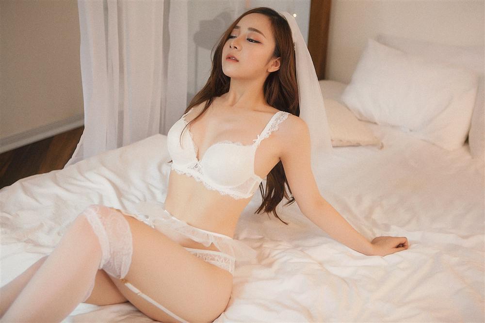 HOT nhất mạng xã hội hôm nay: Sự thật đáng sợ về đôi chân nuột nà của hot girl ngủ gật Thủy Tiên-5