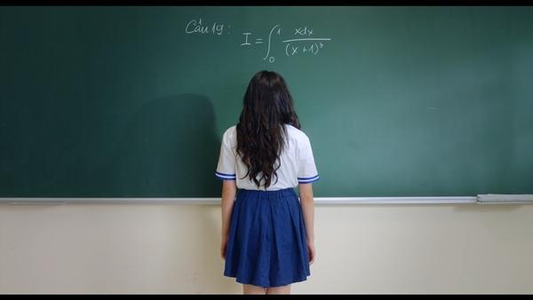 Chết cười với Thái Hòa phiên bản Kaity Nguyễn mặc đồng phục nữ sinh-4